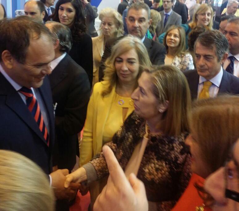 OPEN DOOR by Estudio Soneira, con la Ministra de Fomento de España